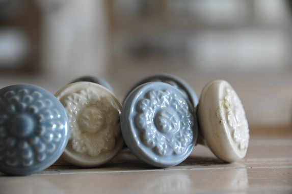 Medallion Vintage Style Ceramic Knobs, Shabby Chic Decor, Ceramic Knobs in pastel Colors