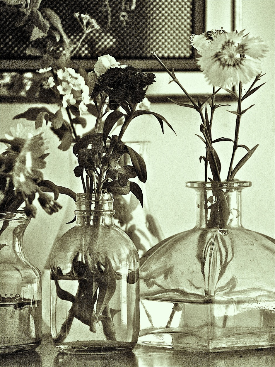 Glass Recycled Bottles, Recycle glass bottles, flowers in glass bottles, floral arrangement in glass bottles