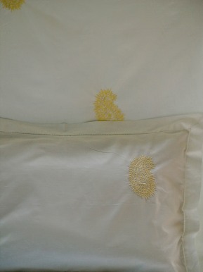 buy white bed linens india, embroidered bed linens, ivory duvet cover, white duvet cover and sheets India, Cotton sheets India online